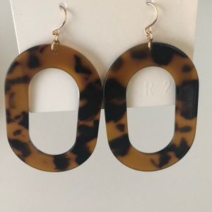 Tortoise print earrings